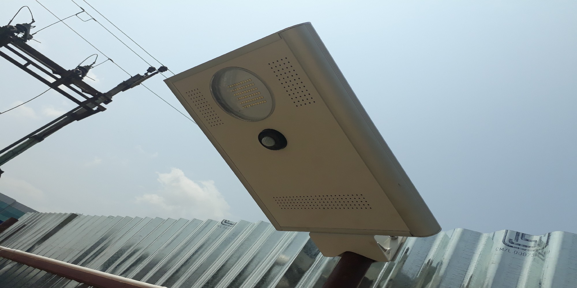 Integrated solar street light (3)